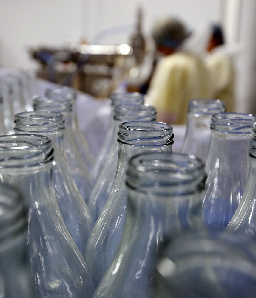 bottle filling at complete co-packing